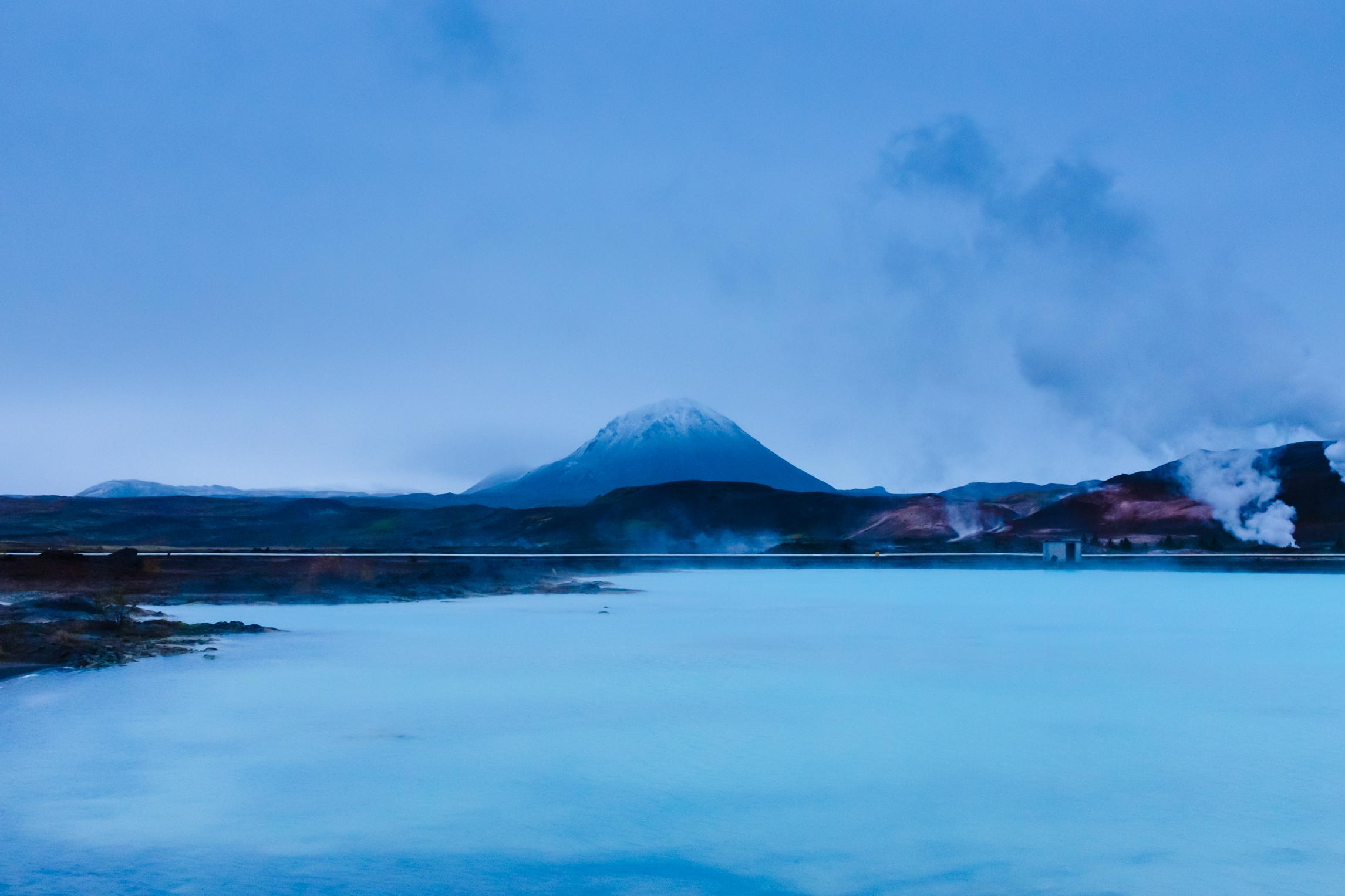 Myvatn - Podemos nadar en una laguna de aguas termales para descansar a la mitad del viaje.