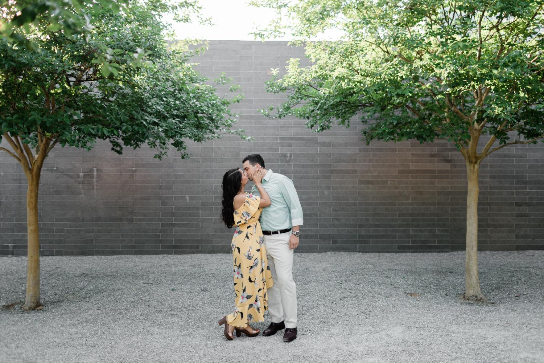 HoustonEngagementPhotos-CentennialGardens-MarielleFrank-1.jpg
