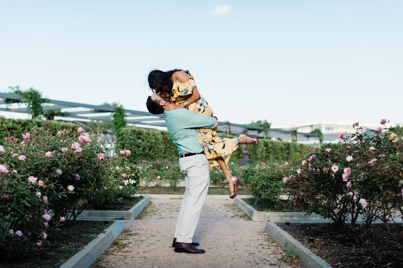 HoustonEngagementPhotos-CentennialGardens-MarielleFrank-9.jpg
