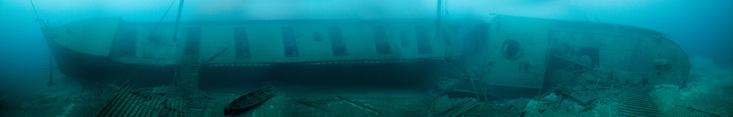 Photo of a shipwreck on the seabed