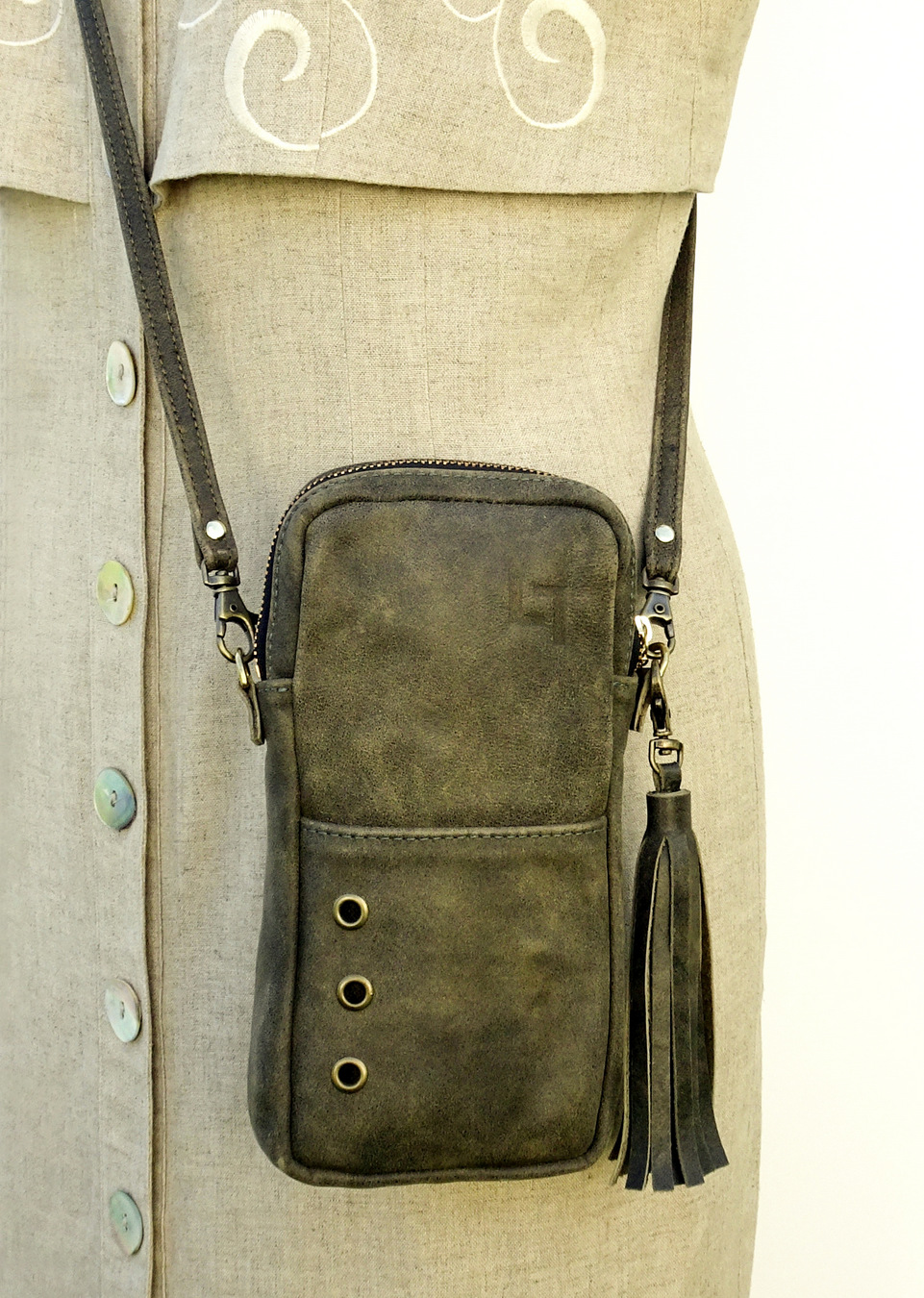 1-Handcrafted Leather Shoulder Bag, The Minimalist, LaPlace Leather, Memphis Tennessee-002.JPG
