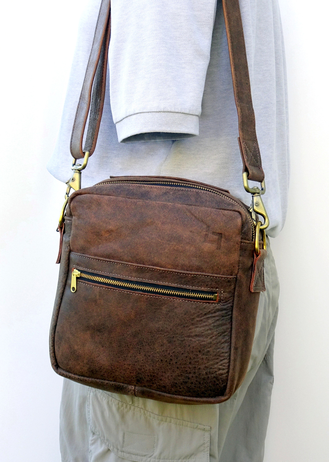 1-Handcrafted Leather Shoulder Bag, Man Up, LaPlace Leather, Memphis-004.JPG