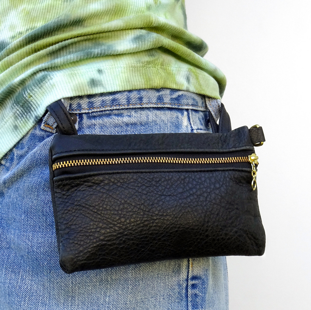 1-Handcrafted Leather Shoulder Bag, Hippie, LaPlace Leather, T-1-004.JPG