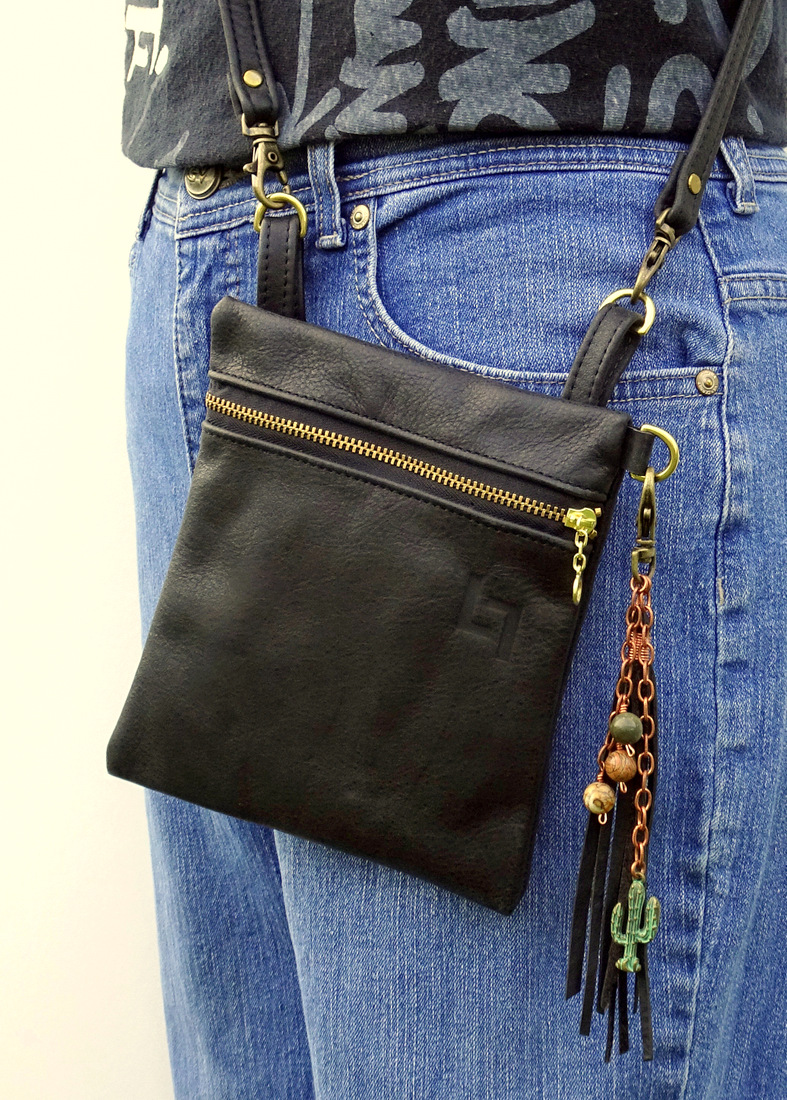 2-Handcrafted Leather Belt-Shoulder Bag, Square Hippie, LaPlace Leather, Memphis-1-007.JPG