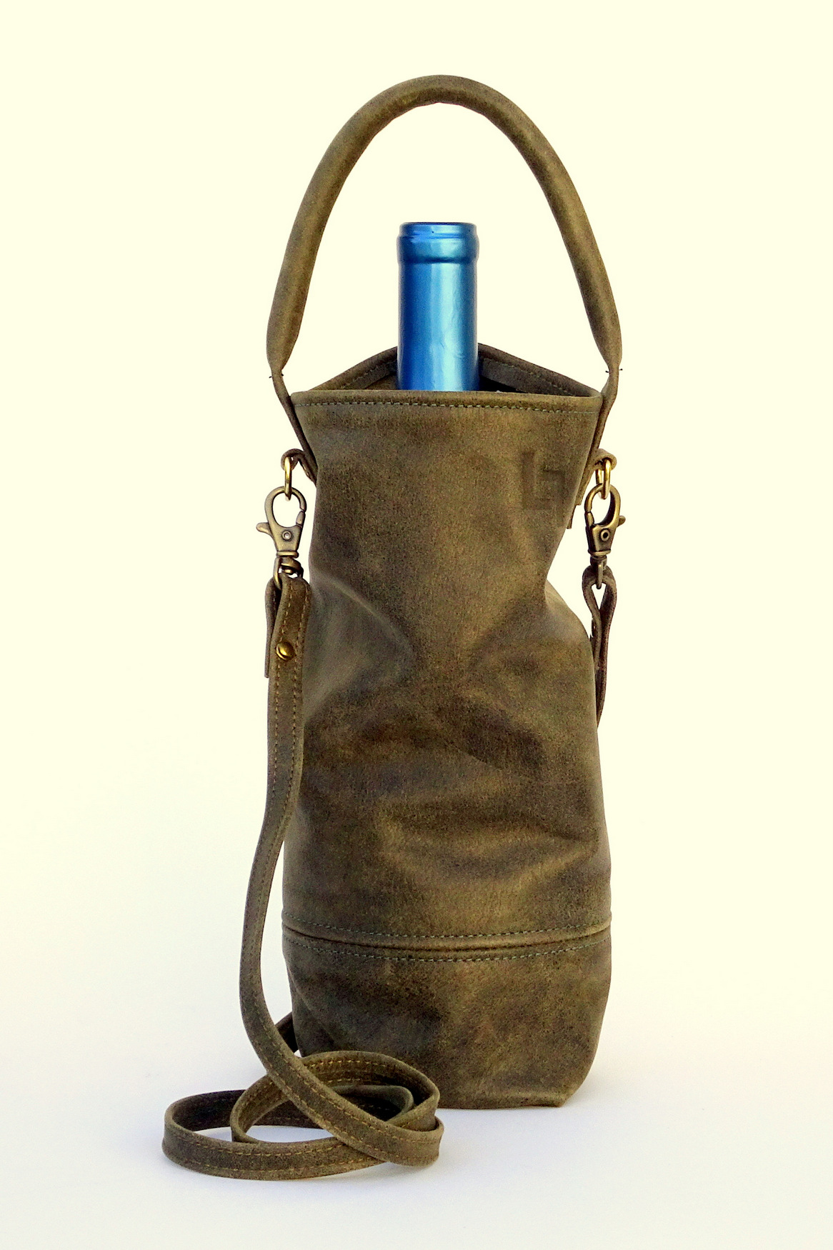 1-Handcrafted Leather Wine Tote Bags, LaPlace Leather, Tennessee.JPG
