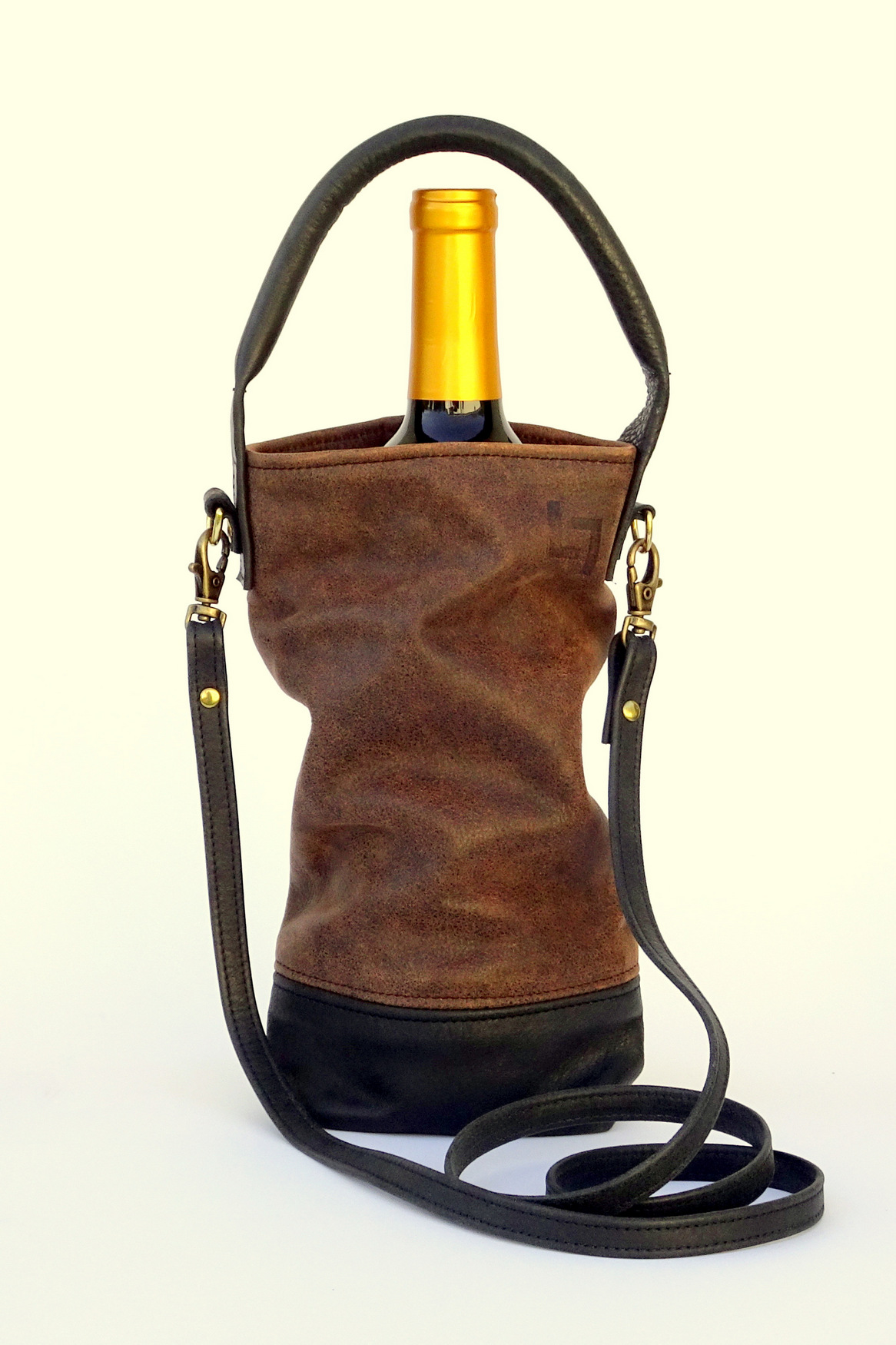 5-Handcrafted Leather Wine Tote Bags, LaPlace Leather, Tennessee-004.JPG