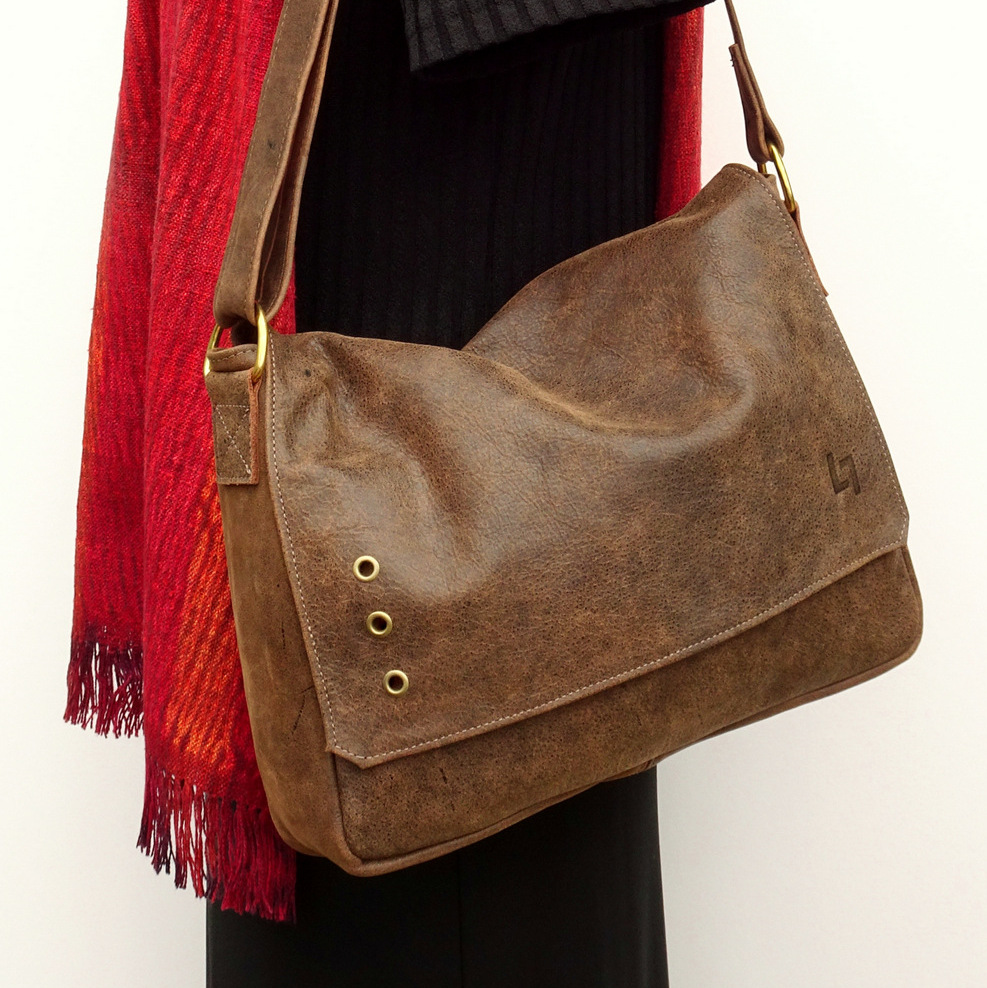 1-Handcrafted Leather Shoulder Bag, Business Casual, LaPlace Leather, Tennessee-003.JPG