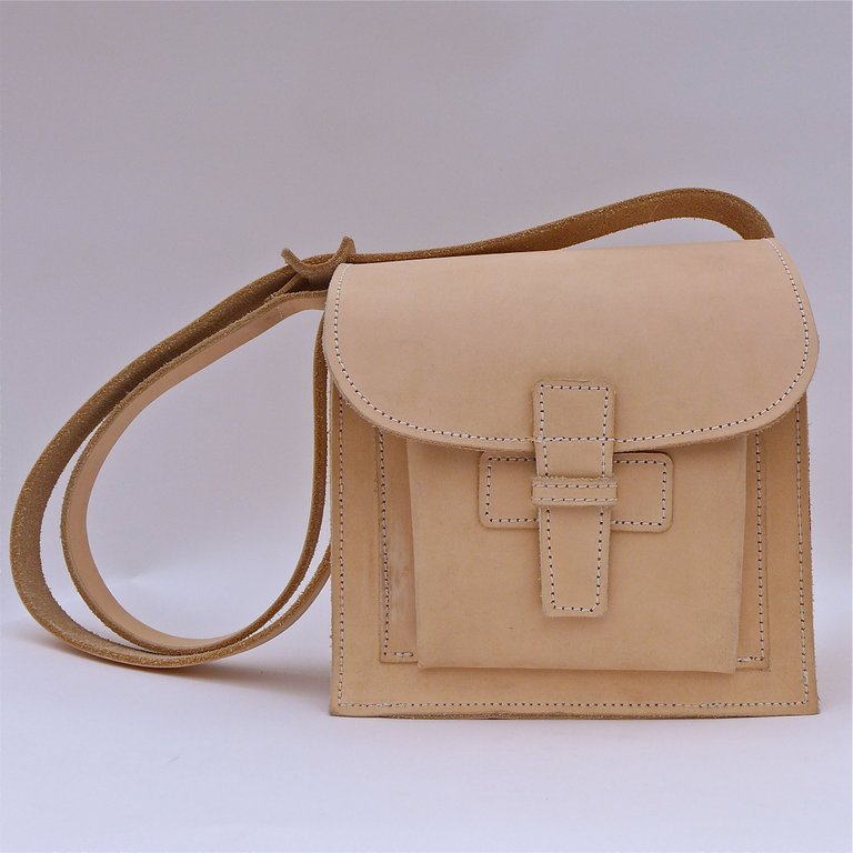 Crossbody / Natural Cow