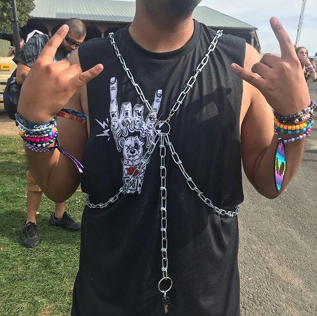 @Jose_v303 rocking cutsom chain harness @ BASS CANYON 🖤🖤