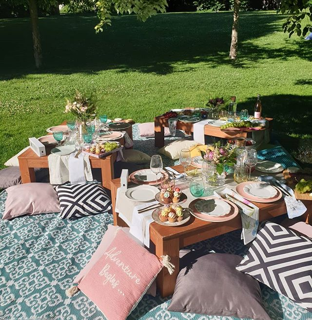 En cas de mauvais temps 🌧, nous pouvons reprogrammer ton picnic☀ sans frais ✨ In case of bad weather, we can always reschedule your picnic, free of charge. 🌈 . . . . . #événements #summervibes #mylausanne #summerparty #picnicbasket #champagne #cheers #glitter #happypicnic #picnicparty #events #picnicgoals #lausanne #geneve #switzerland #swisspicnic #swissbloggers #swisslife #weekend #lacleman #genderrevealparty #babyshower #evjf #bacheloretteparty #brithdayparty