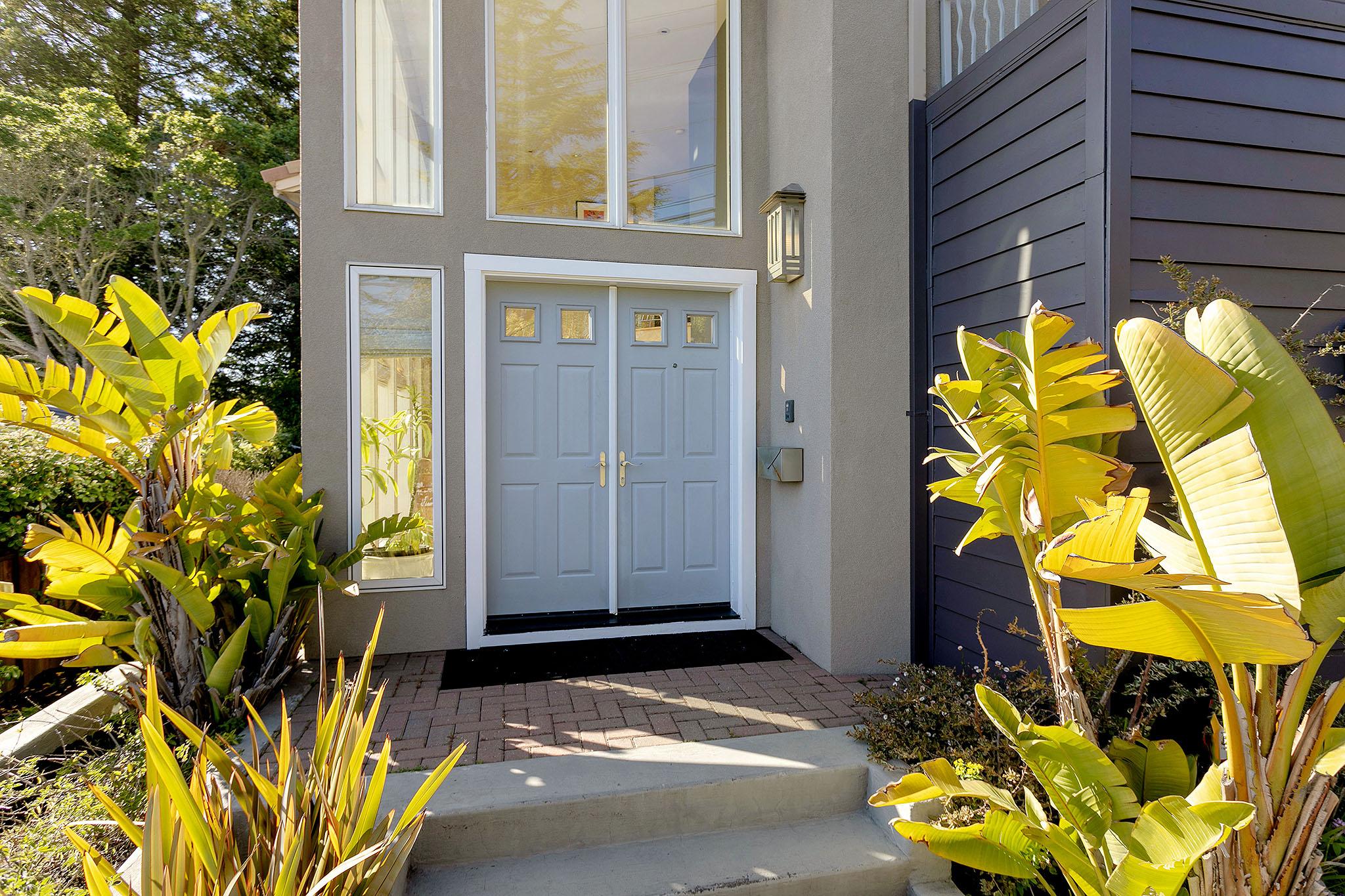 04 Front door.jpg
