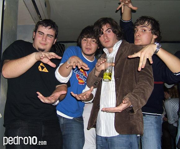 Alex, Alberto, Guille y Rubén. ¿Qué clase de extraño ataque del Estrit Faijter Dos están preparando?