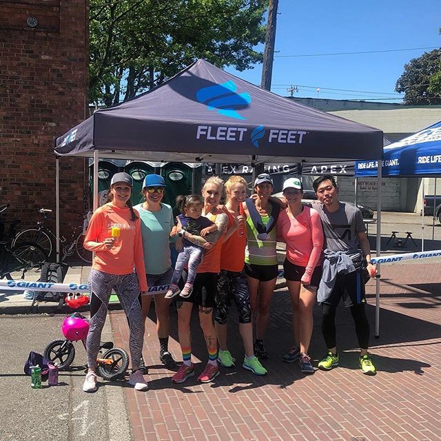 Thank you, @fleetfeetseattle for collabing to bridge the cycling and running communities. The 5k Fun Run lived up to its name. Runners even enjoyed a scooter push from @apexracingseattle Welcome to Ballard, Fleet Feet. Until next year! ✌🏼