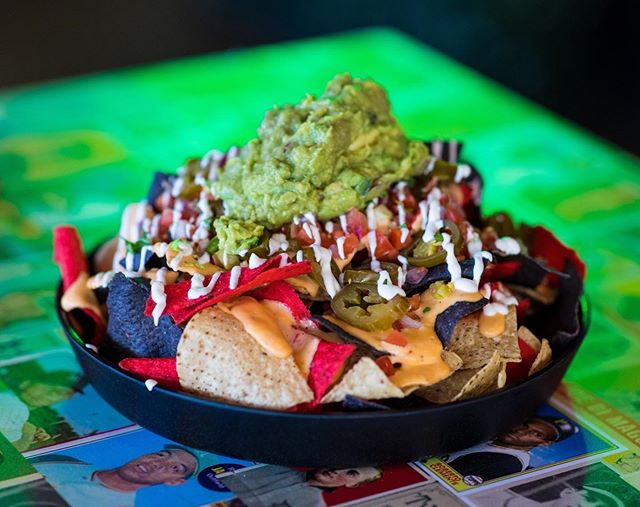 Major Nachos, for a major weekend of games: Purdue v Minnesota play Saturday at 2:30 PM, Cubs v Cards on Saturday at 6:15 PM, and Bears v Vikings on Sunday at 3:45 PM ⚾️ 🏈 #DeucesMLB