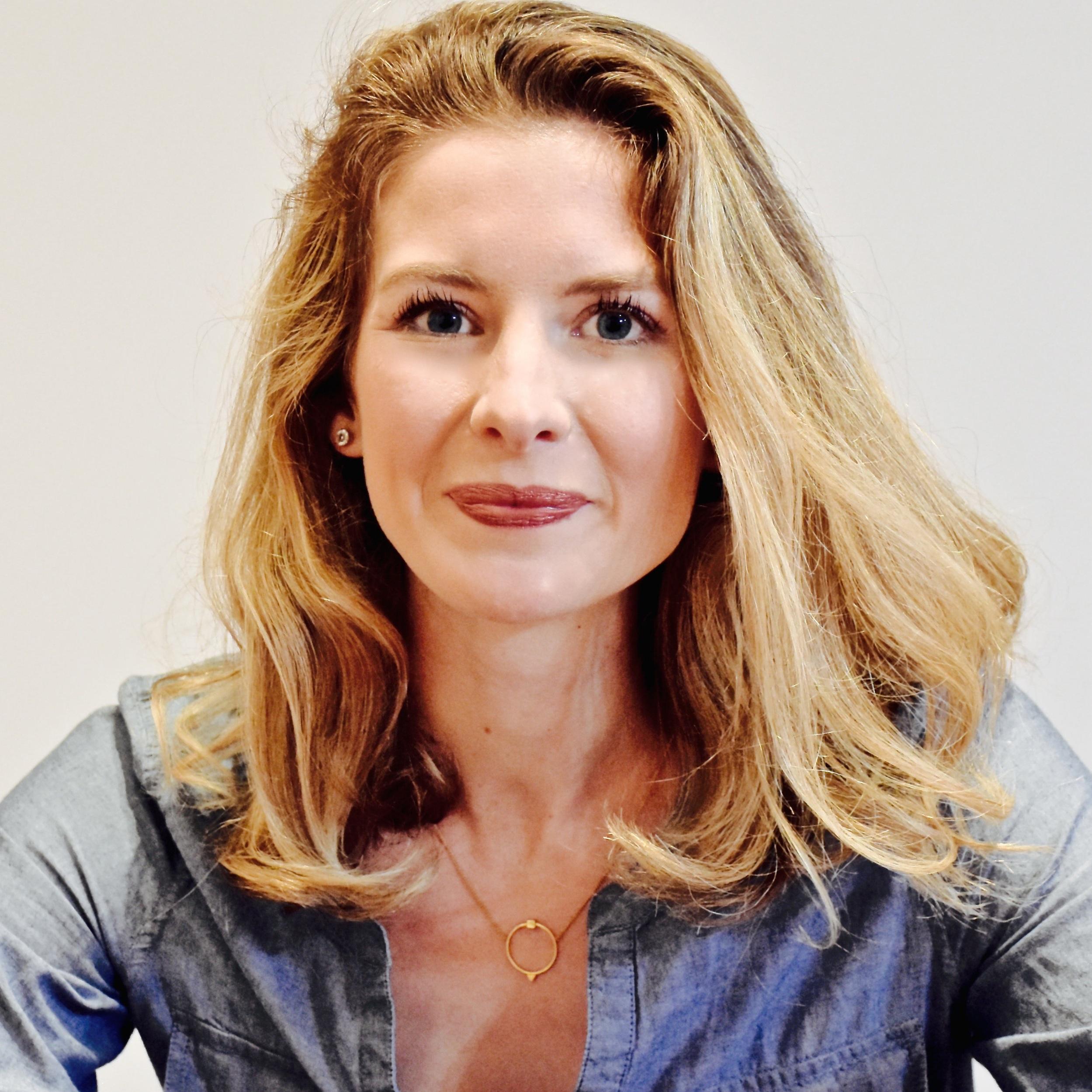 Laura Robertson - Piano & Voice - ljanerobertson@gmail.com
