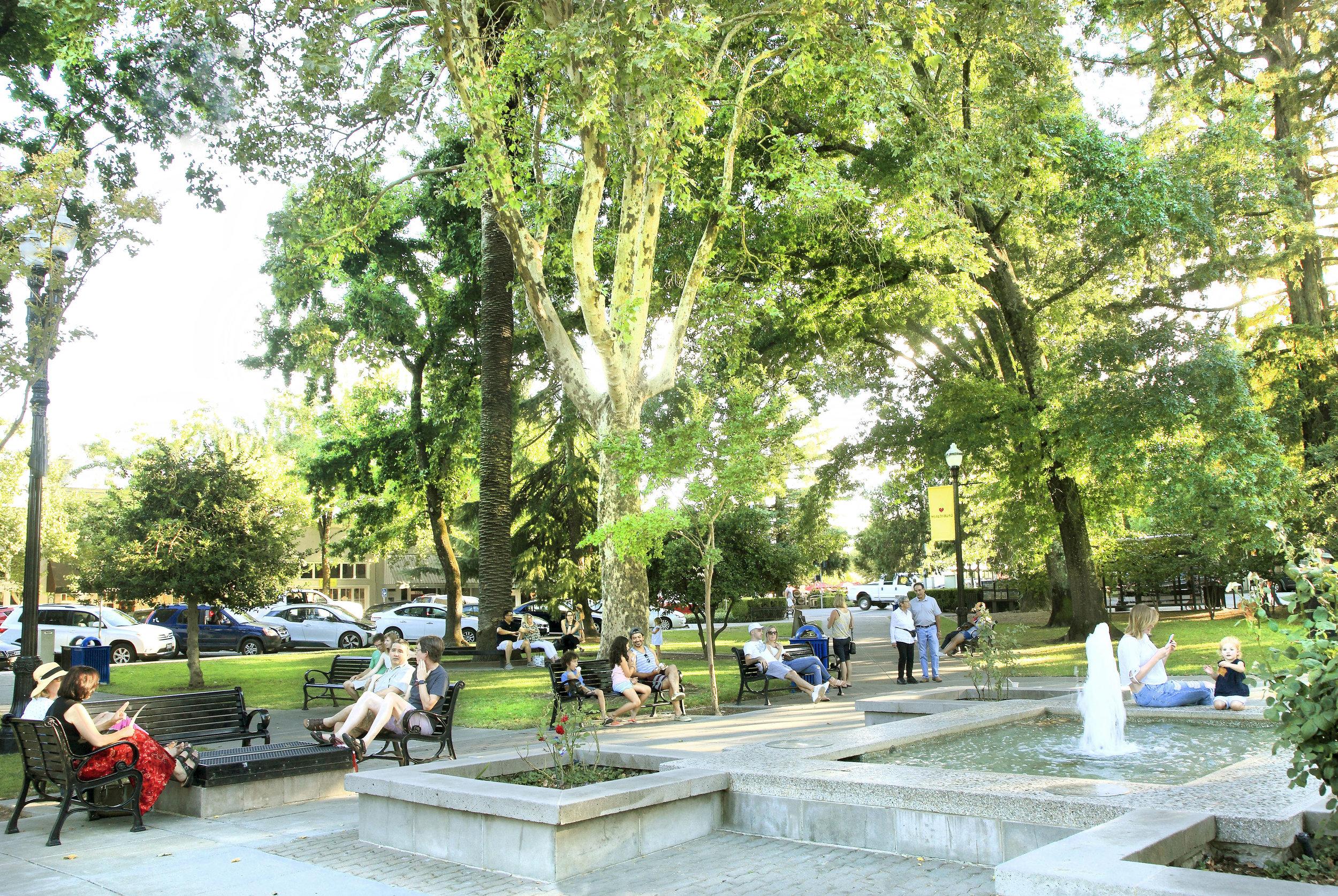 Healdsburg Plaza.jpg