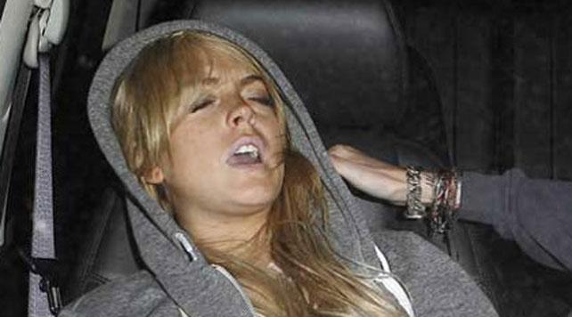 images_article_2010_05_05_lindsay-lohan-passed-out-ac.jpg