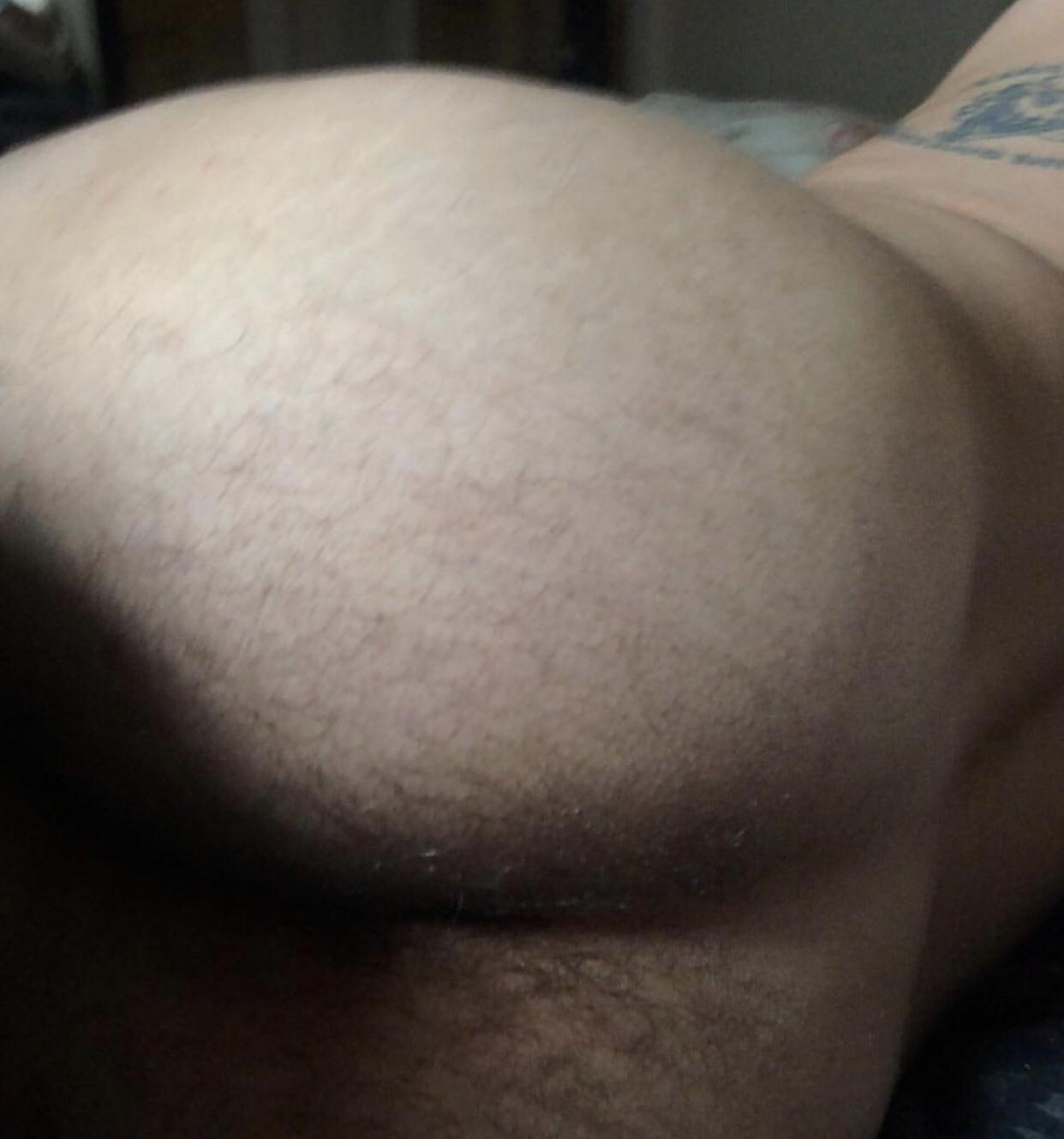 Jake Cannavale's Butt