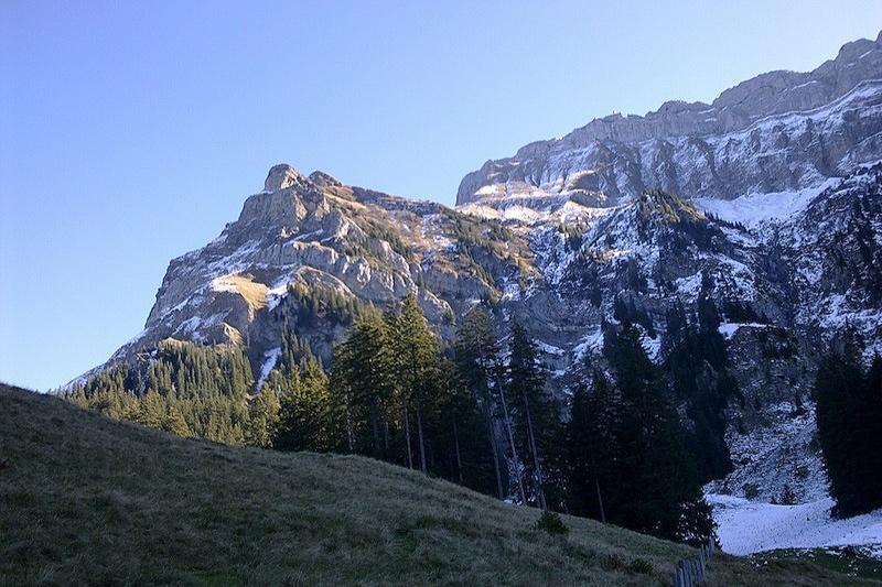 Alp+Oberlauelen+vom+Tal.jpg
