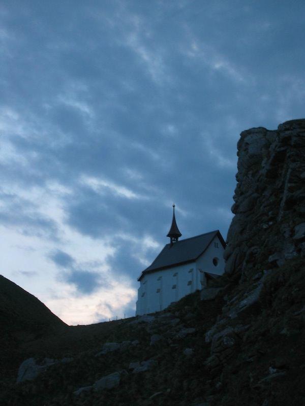 Korporation Hergiswil Sonnenaufgang Klimsenhorn Kapelle 20043.jpg