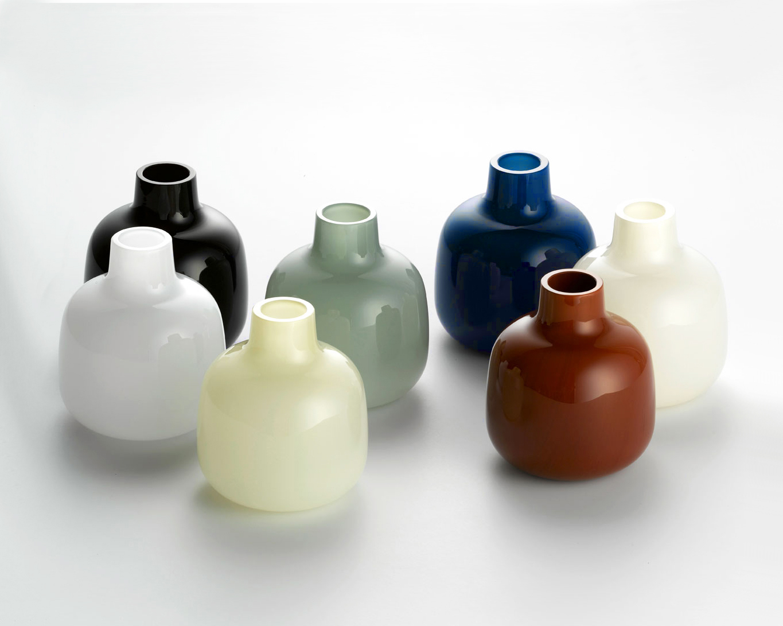 Opalvase,-7-colors.-12x10,5-cm©-Tora-Urup-2005.jpg