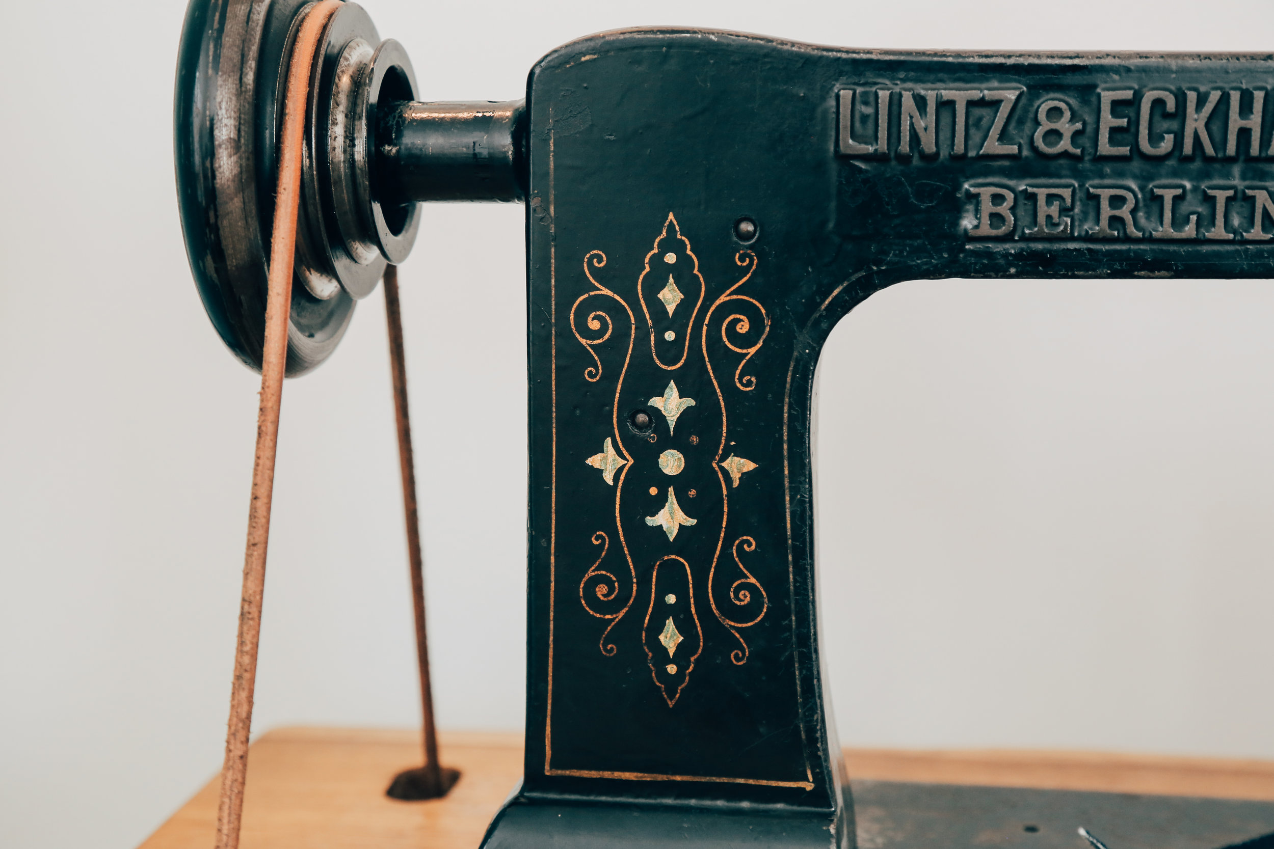 Lintz & Eckhardt 11 Cornely K vintage chainstitch embroidery machine 10