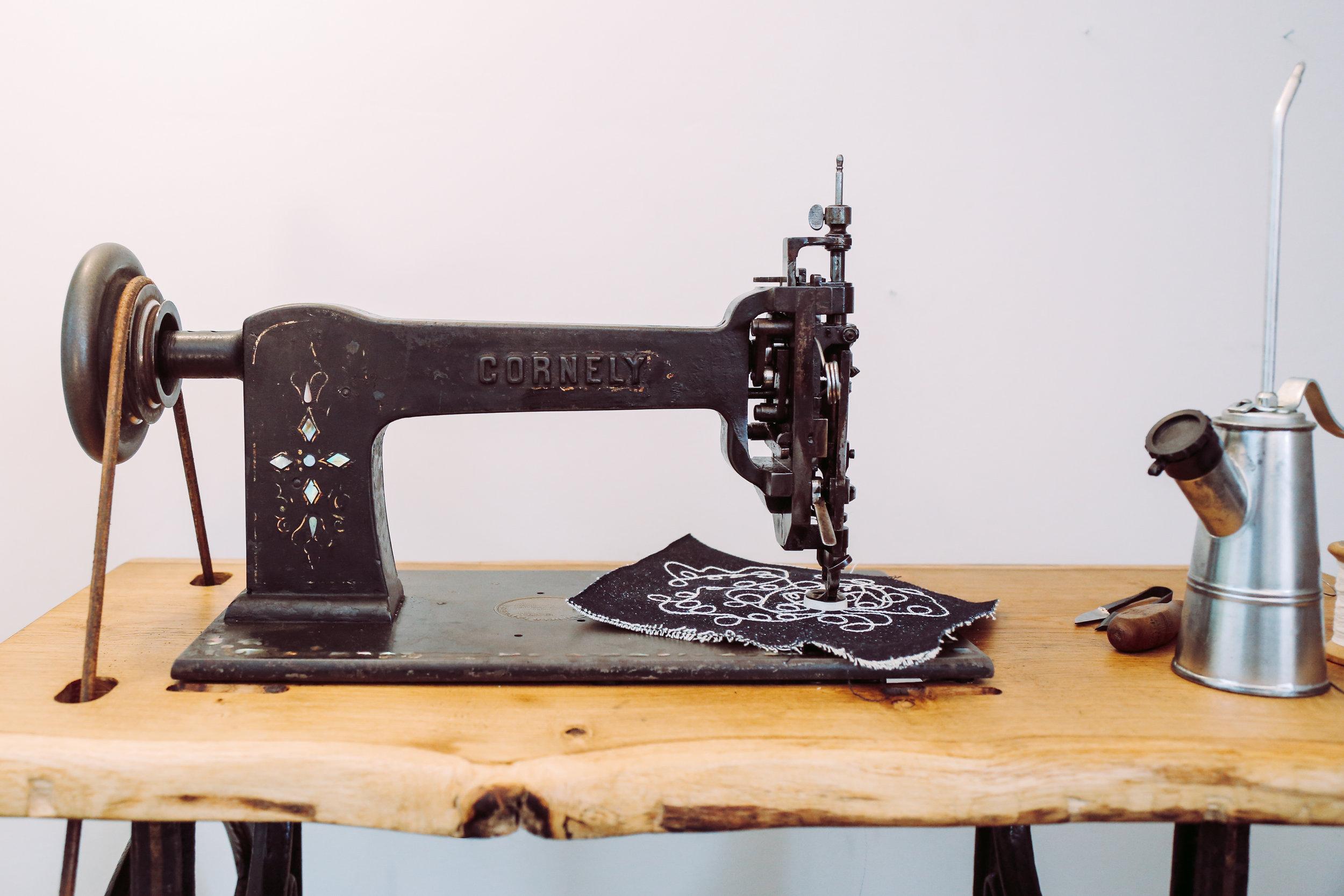 Saintchains Cornely A Chain Stitch Machine Handcrank Embroidery