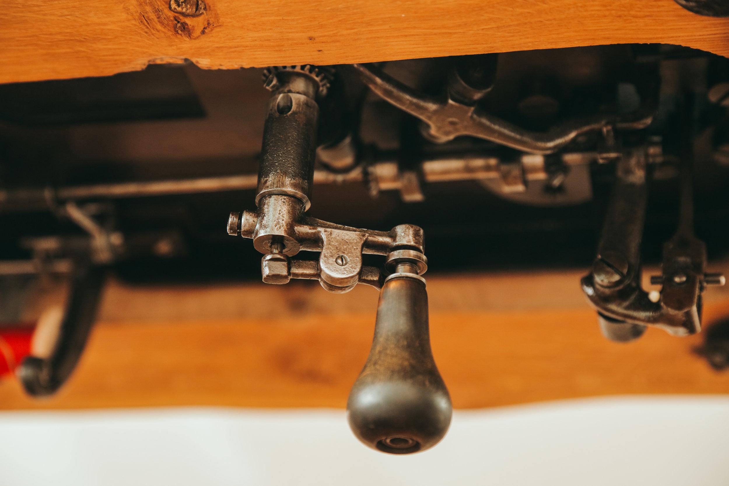 Chainstitch Machine Handcrank Handsteered Lintz Eckhardt Saint Chains Cornely Singer