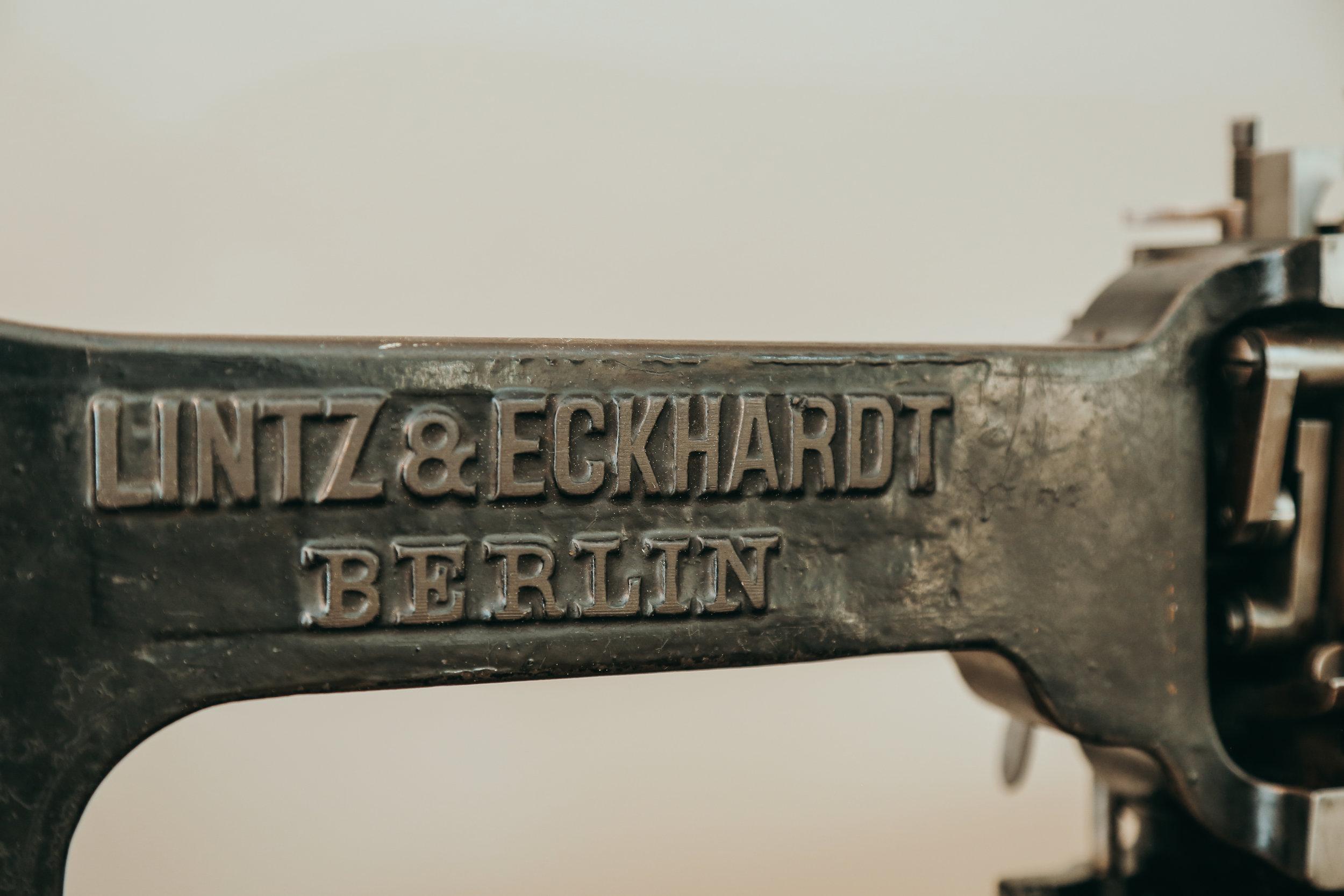 Chainstitch Machine Lintz&Eckhardt Berlin Lintz Eckhardt Saintchains Cornely K A Singer Closeup Chain Stitch