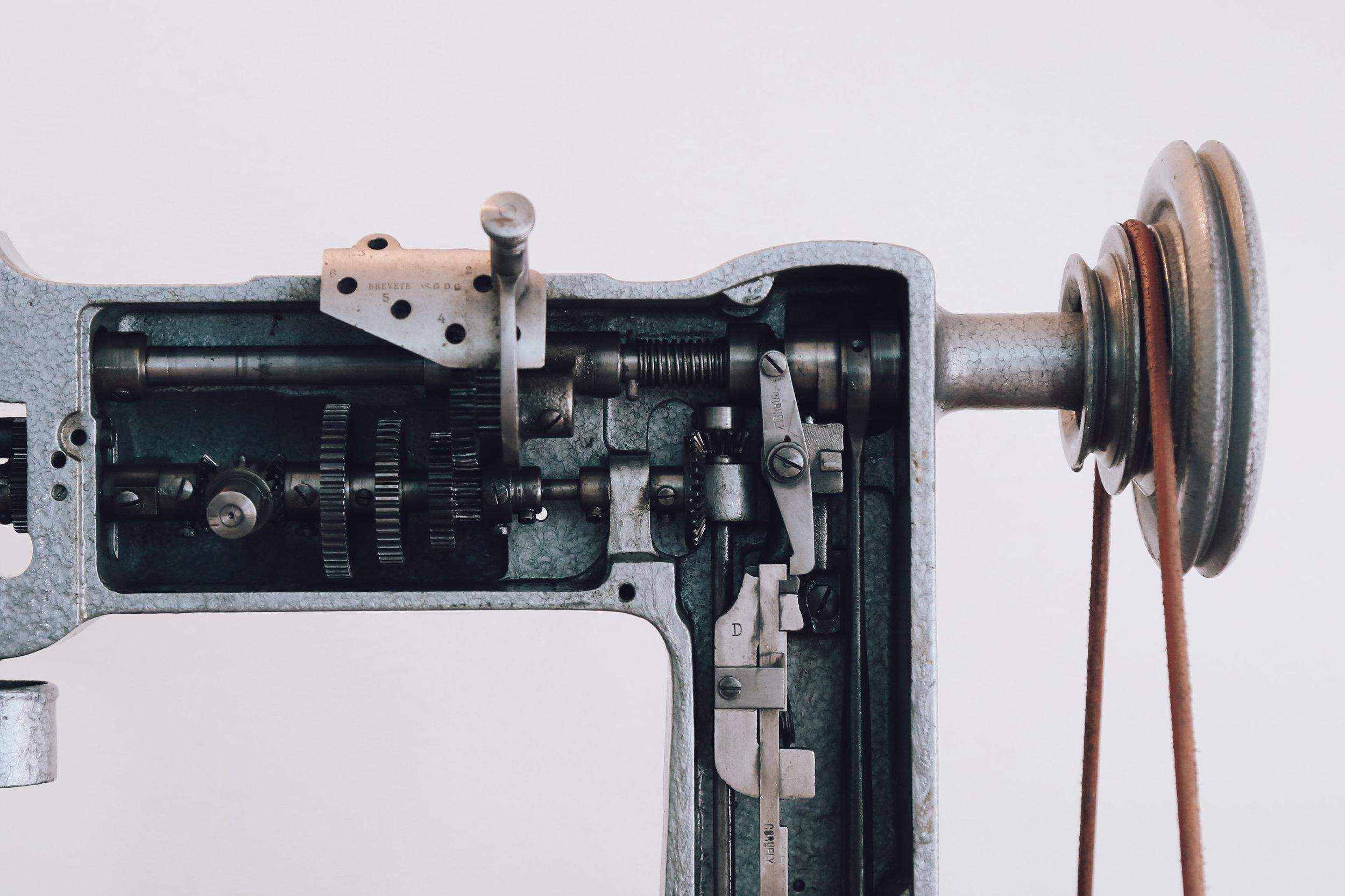Handcrank Embroidery Machine Cornely LG Singer 114w103 Saintchains