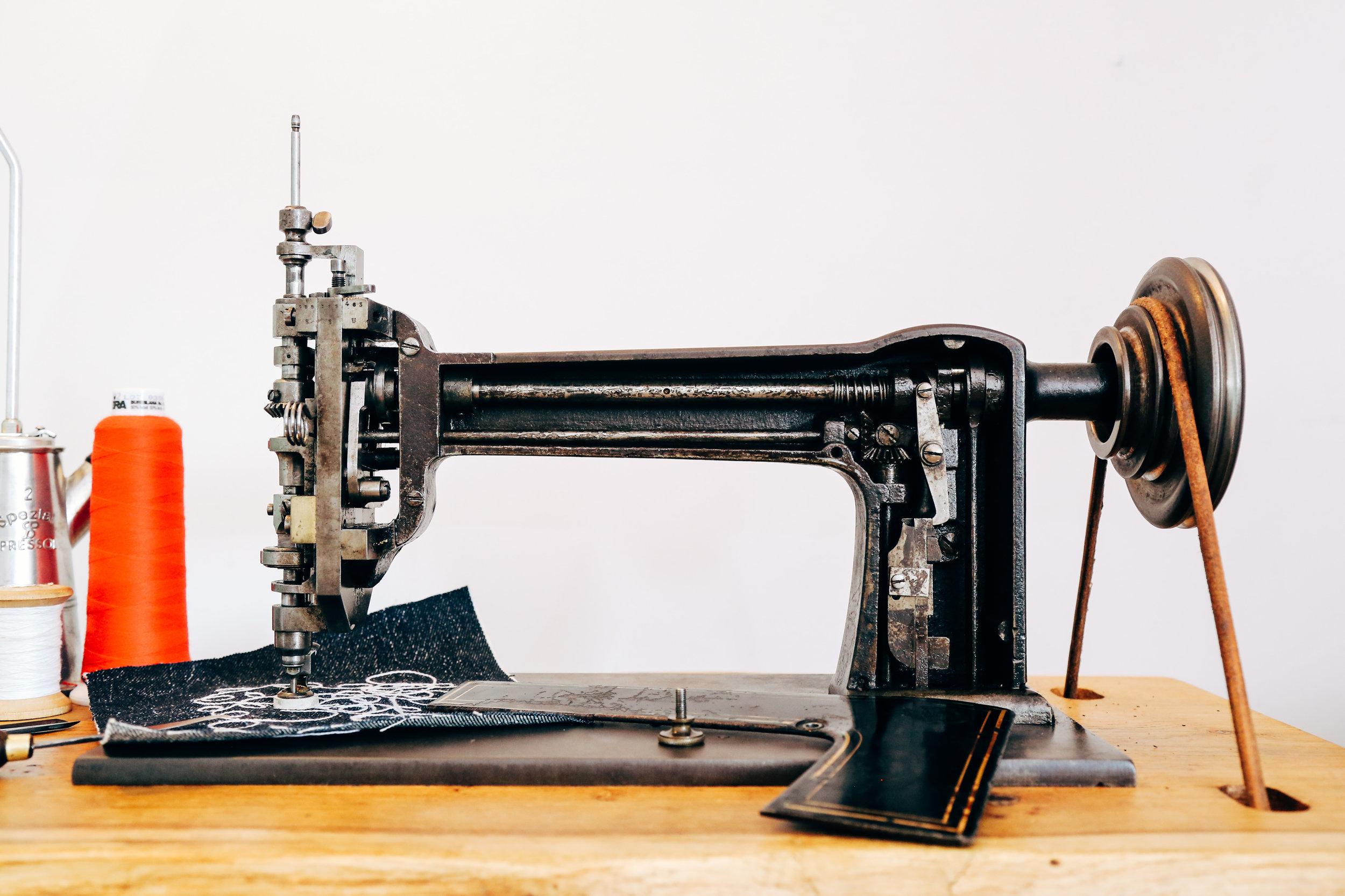 chain-stitch-machine-cornely-a-singer-114w103-saintchains-vintage-oldschool-patches.jpg
