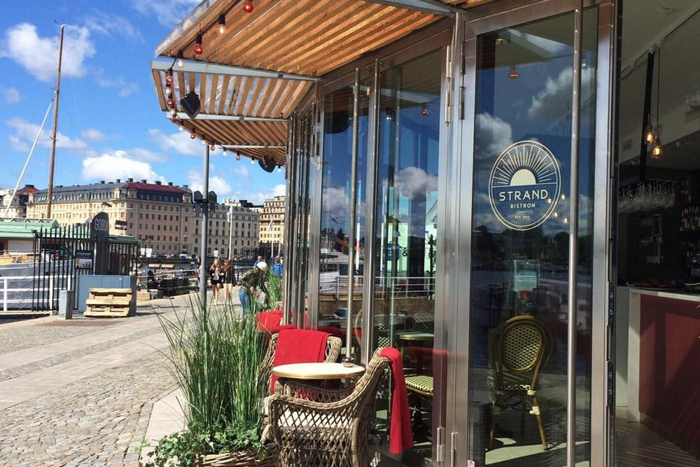 Strandbistron Stockholm - Strandvägen Kajplats 19strandbistron @ Instagram