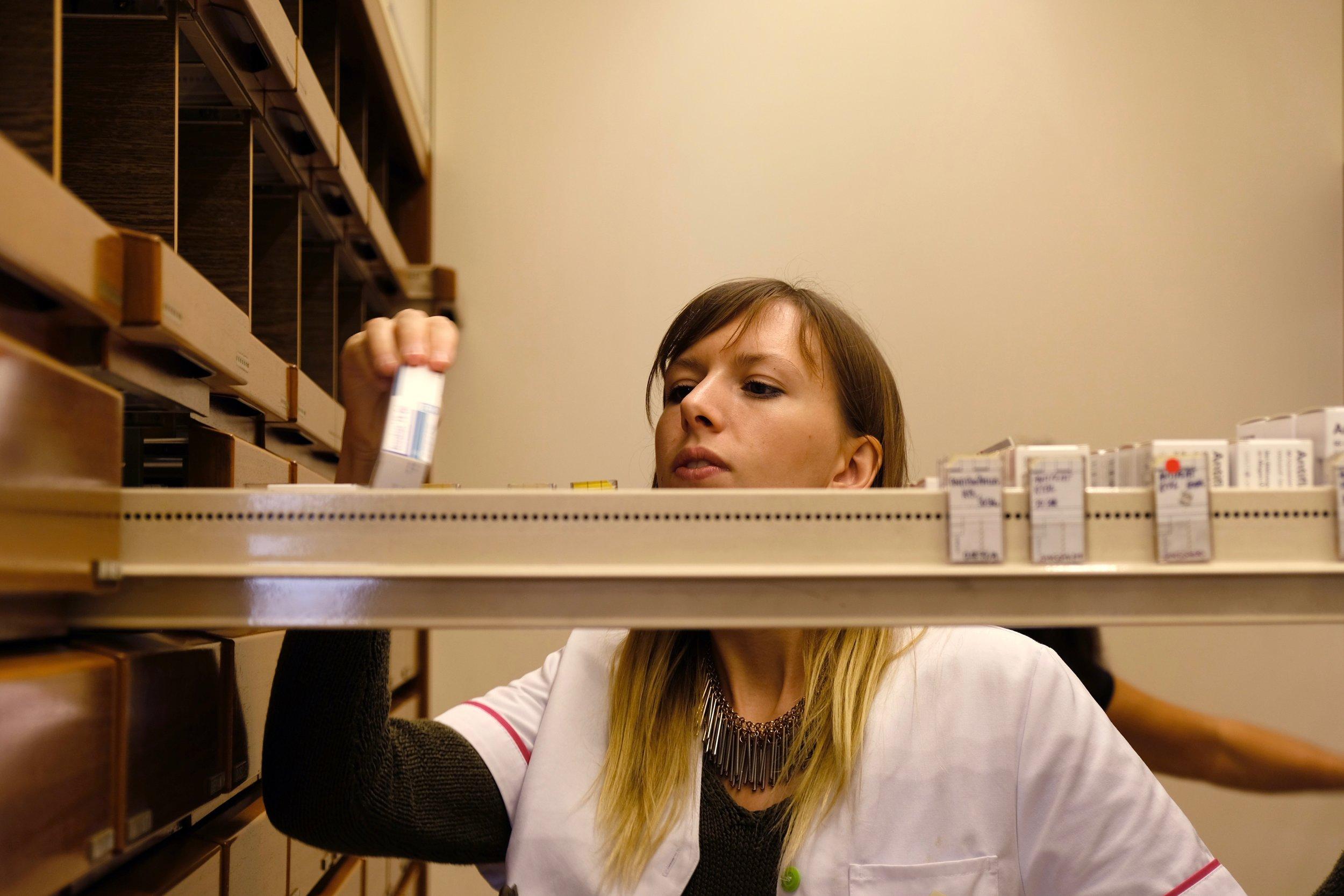 Lagerung. - Wir garantieren die richtige Lagerung und Kühlung der Medikamente, sowie deren Fälschungssicherheit!
