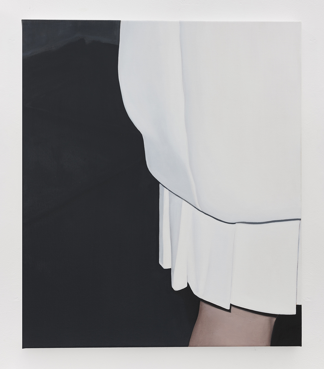 White Dress I | 2018 | oil on linen | 70 x 60 cm | 27.6 x 23.6 in | Private Collection | Photo Lee Welch
