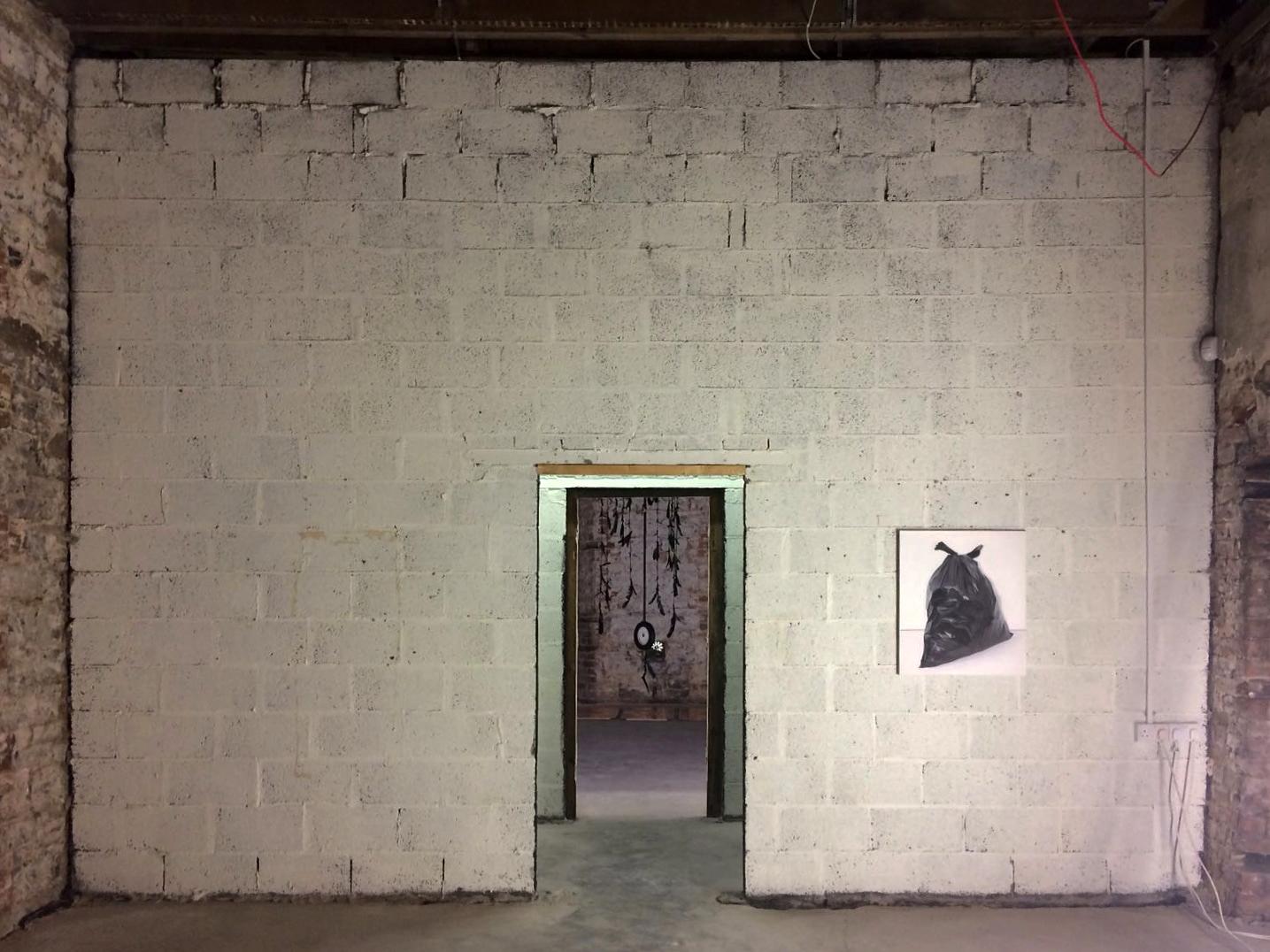 Donut | 2017 | Black sack | 2017 | 90 x 70 cm