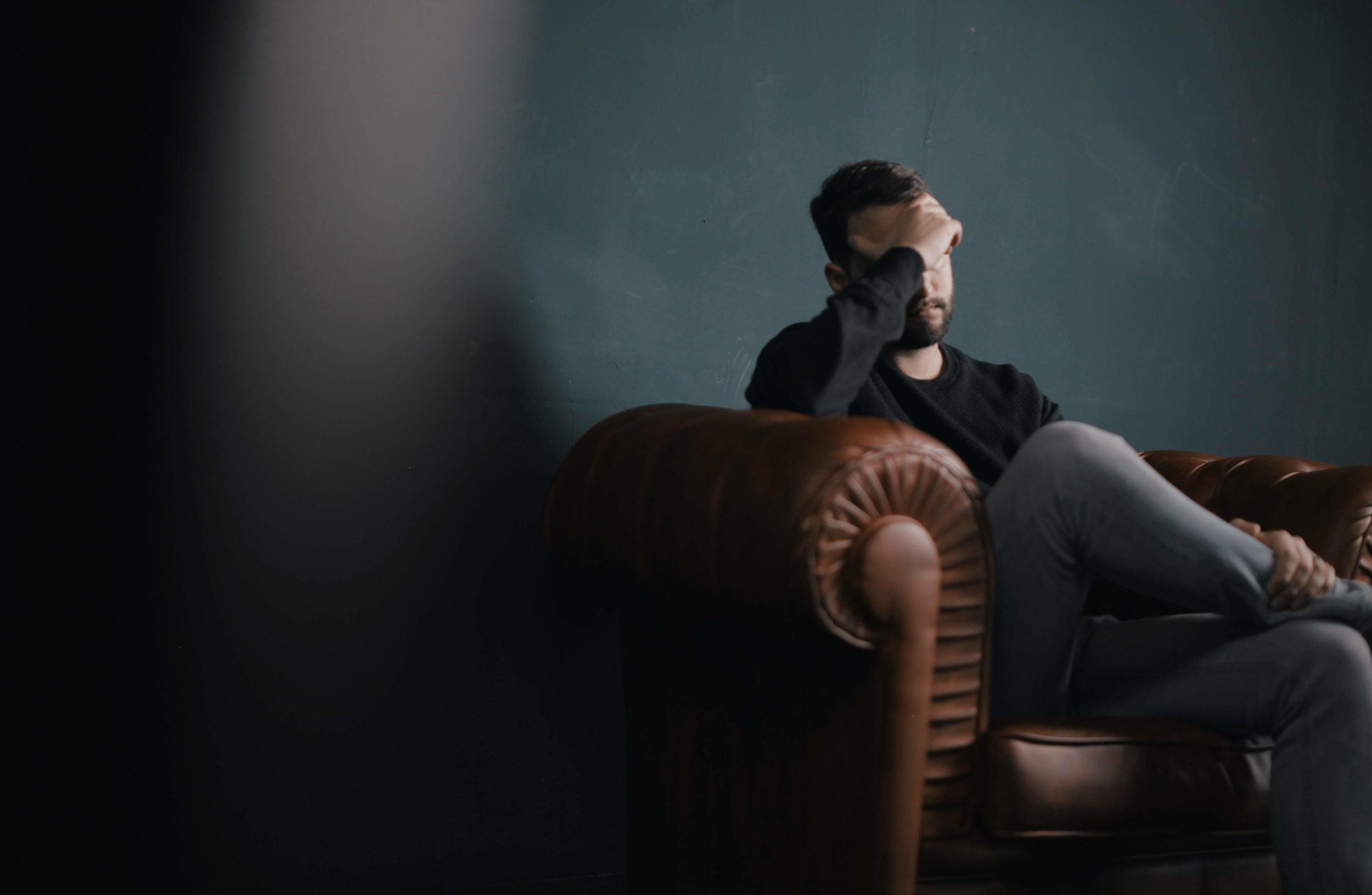 hombre-en-el-psicologo-1.jpg