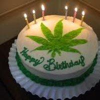 birthdaycakeMMM.jpg