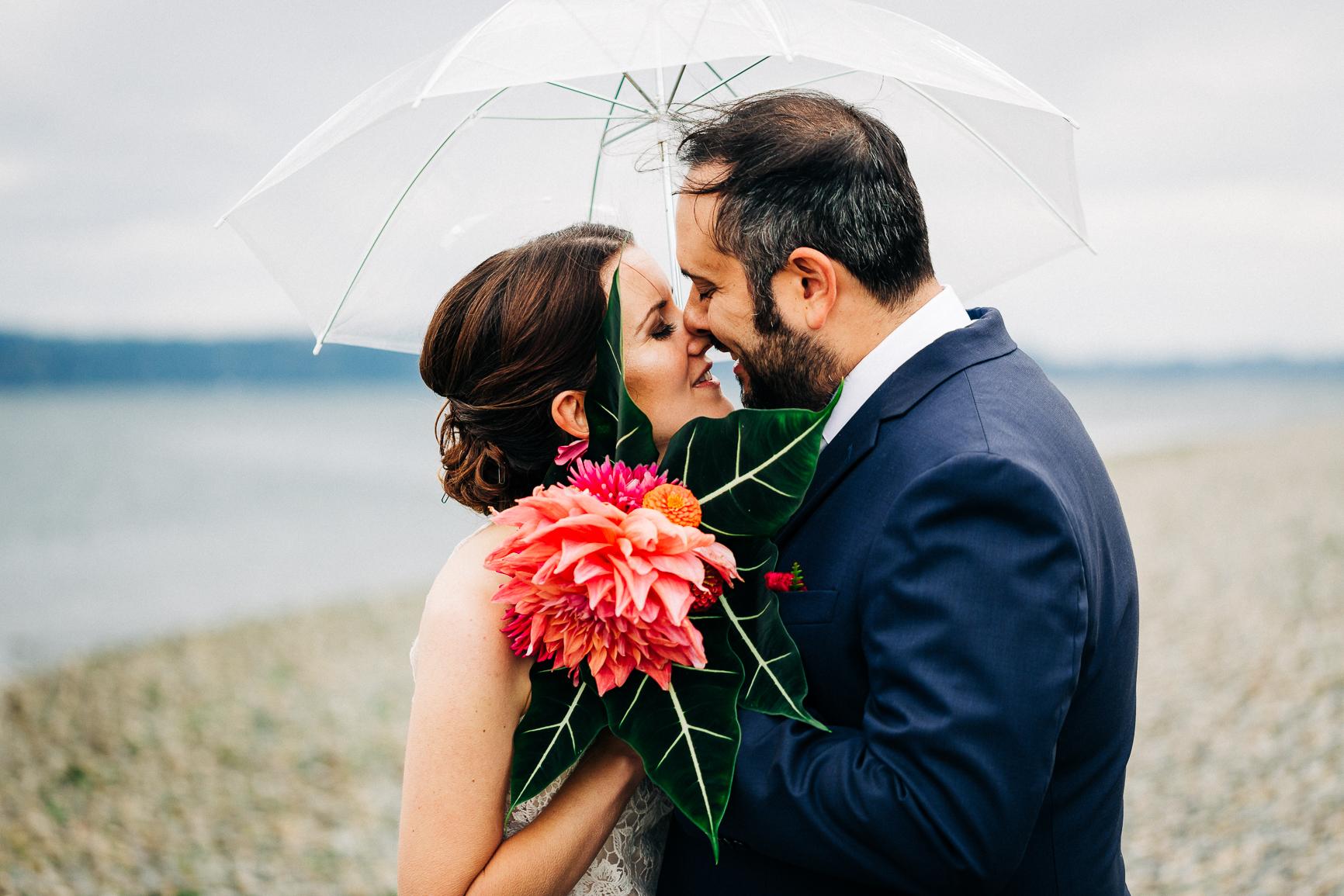 A kiss in the rain - Seattle, WA