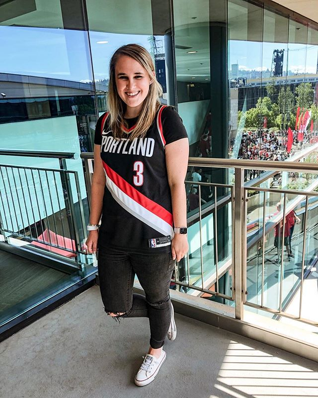 "Let's go @trailblazers! ❤️🏀🖤 this is my first NBA playoff game to attend in person and the atmosphere is incredible!  I'm definitely not always the biggest ""girly-girl,"" I've always loved watching sports, even as a kid. My dad works in sports footwear design, and was determined I wasn't going to be one of those girls who didn't know what was going on during a game. This quickly turned into a love for sports and the magic they can have to bring communities together. What's your favorite sport to watch? —— #xoxolovelaura #trailblazers #nbaplayoffs #portlandoregon #portlandtrailblazers #moxiepresets #aexme #converse #nbaplayoffs2019 #portlandlife #styleideas #outfitidea #casuallyobsessed #casuallook #portlandstyle #pnwstyle #oregonstyle #springmood #styledaily #everydaystyle #realstyle #basicstyle #casualfashion #oregonlife #sportstyle"