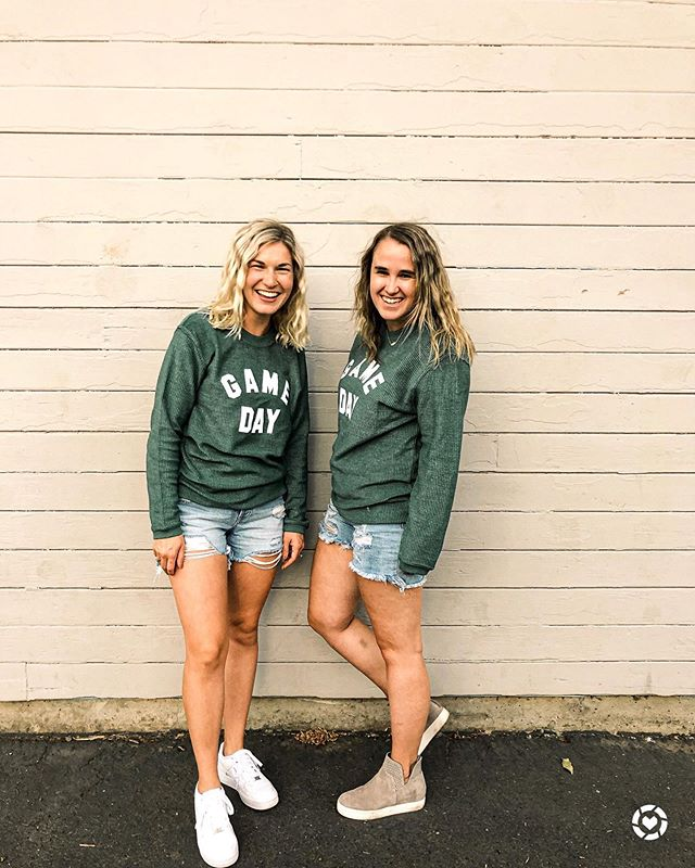 Y'all. This week has been crazy town. BUT I'm so excited to go to the University of Oregon football game tomorrow! Luckily the game is late so I can sleep in 😴 what are you doing this weekend?  Shop your screenshot of this pic with the LIKEtoKNOW.it shopping app!  http://liketk.it/2EUo9 #liketkit @liketoknow.it #LTKunder50 #LTKunder100 #LTKshoecrush #xoxolovelaura #cjlagirls #carlyjeanlosangeles #footballtime #universityoforegon #oregonfootball #fallstyle #livelovegameday #gamedayoutfit #gamedaystyle #casualstyle #discoverunder3k #portlandblogger #oregonblogger #pdxblogger #pnwblogger #stevemaddenshoes #oregonlife #pdxlife