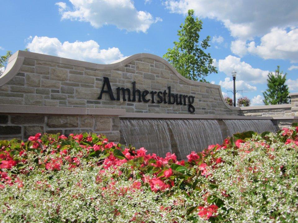 Amherstburg Gateway Fountain.jpg
