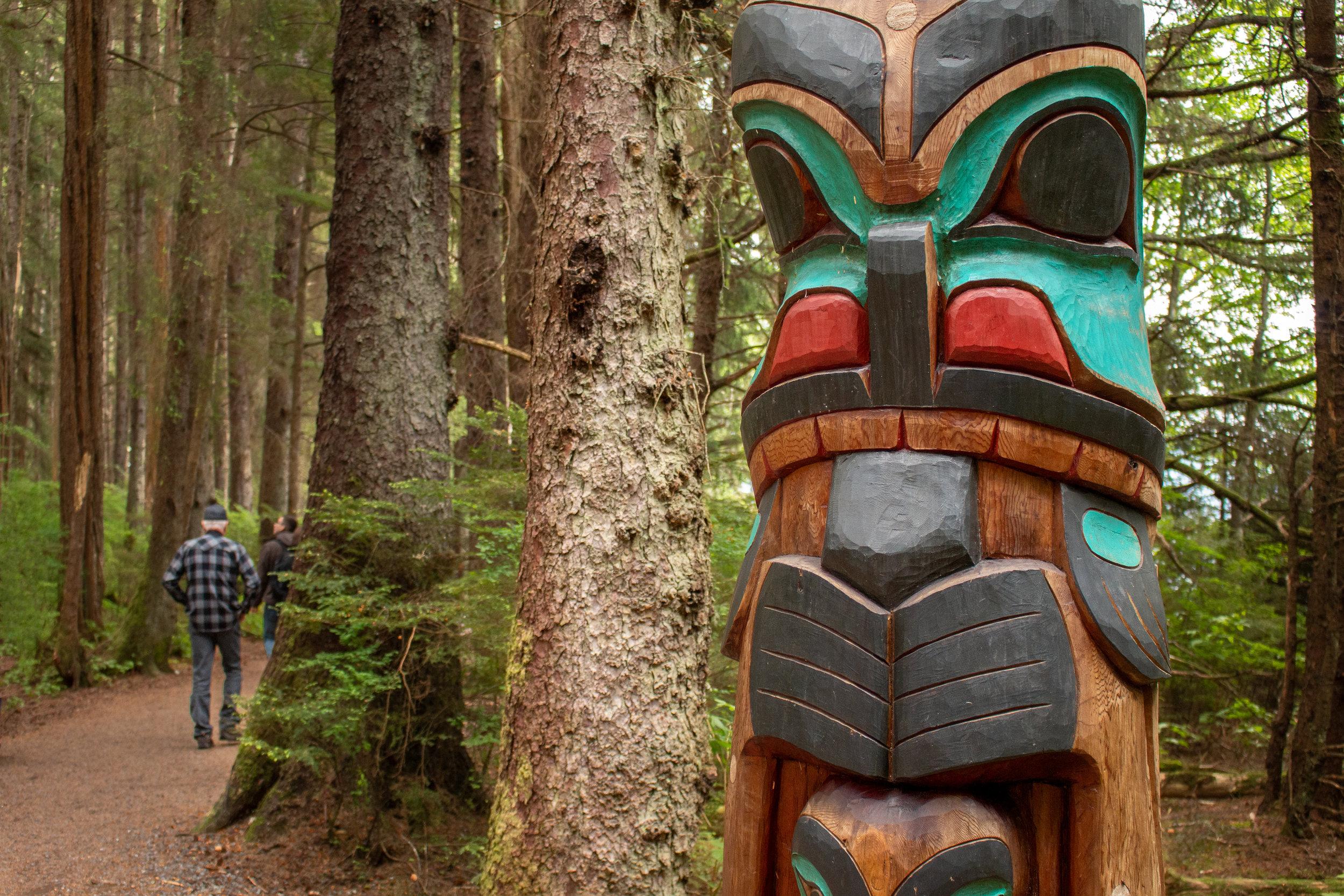 Yaadaas Crest Totem Pole, Sitka, Alaka; Sitka National Historic Park