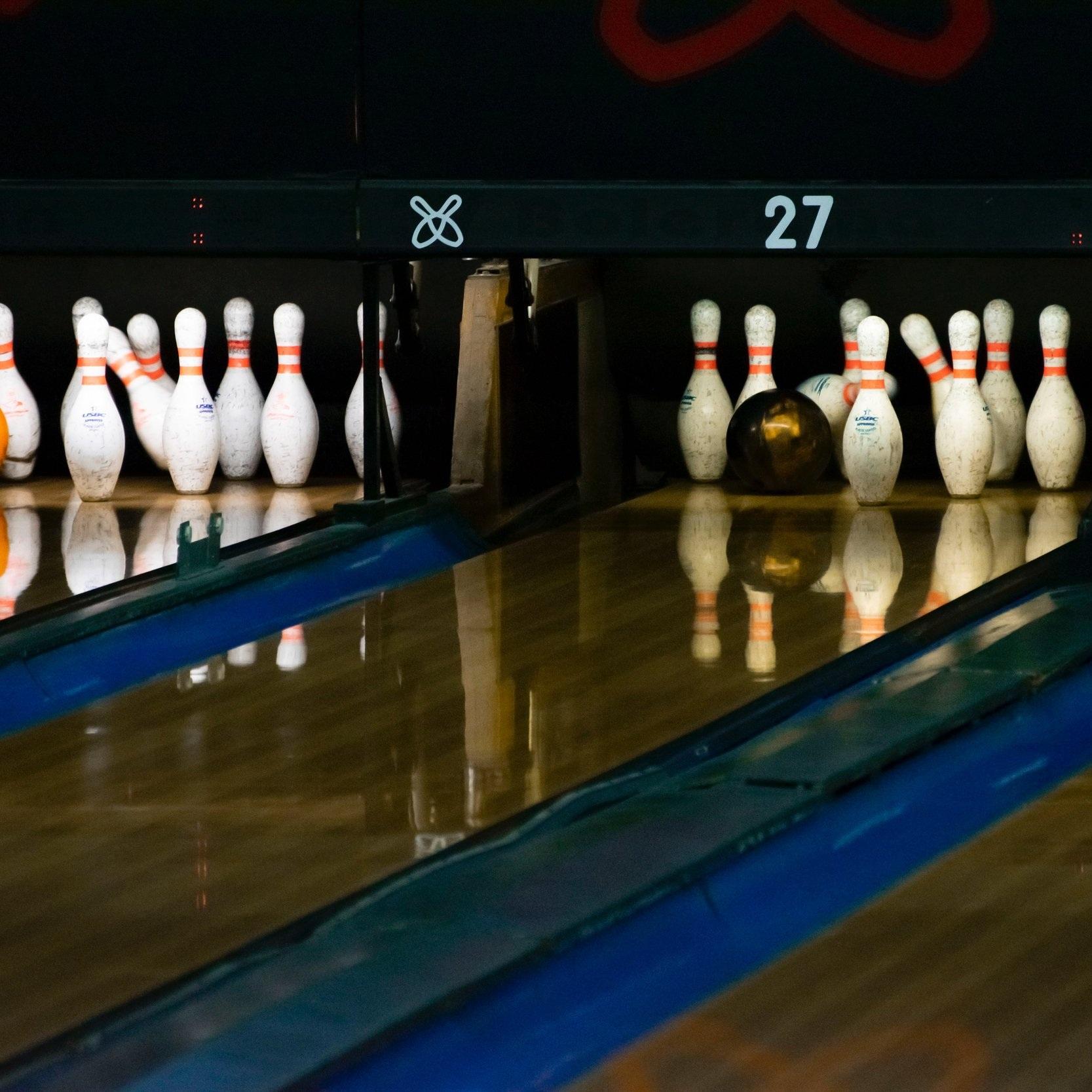 ten pin bowling -