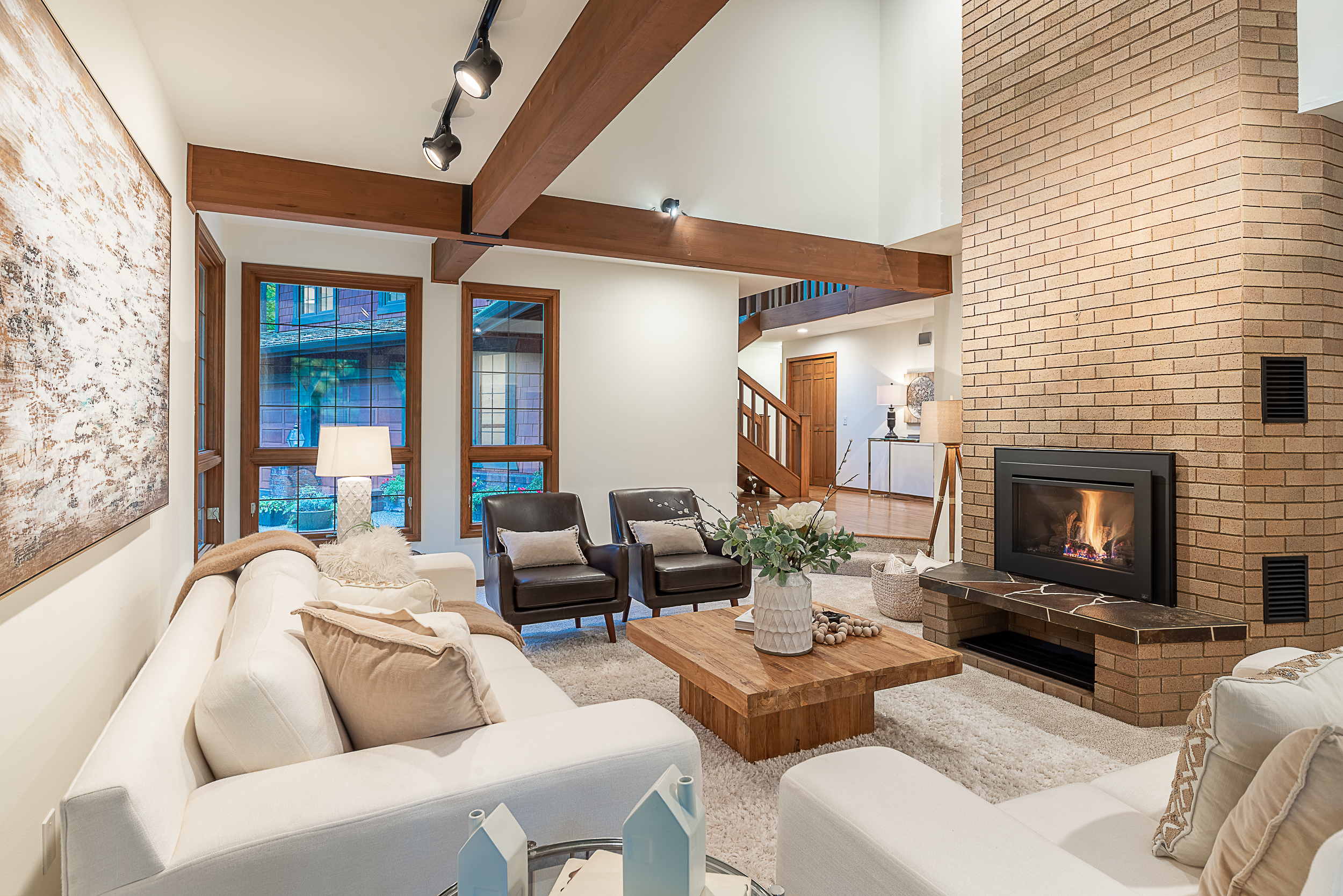 SOLD: Woodway Estates - Escape to your very own evergreen retreat ⟶$1.2M | 3 BR | 2.5 BA | 4,410 SQ. FT.