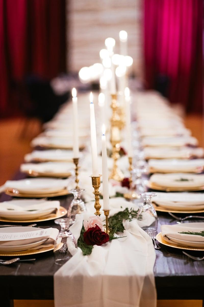 nicole colton montana wedding decorator.jpg