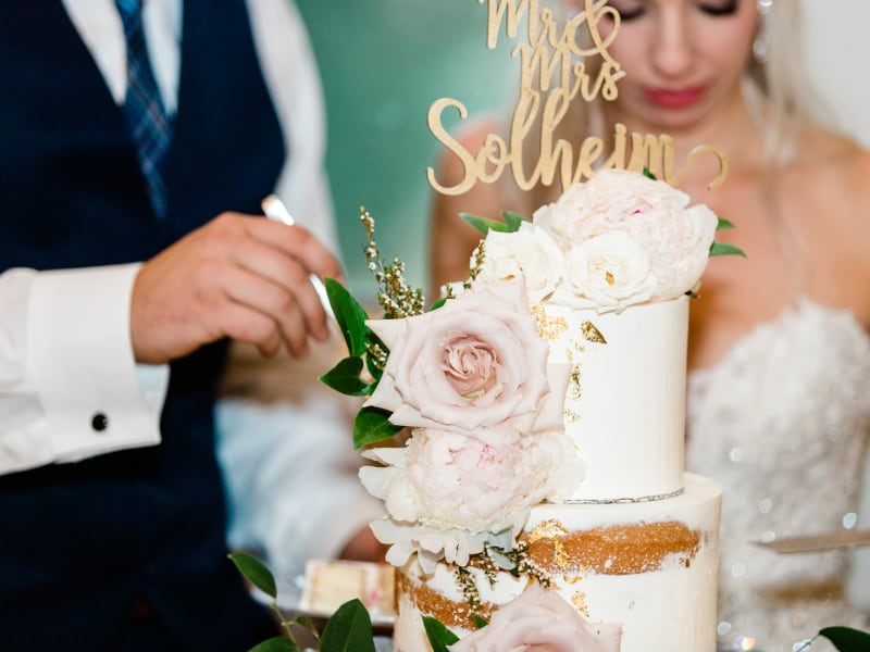 alicia kyle cake camelot wedding design & decor.jpg