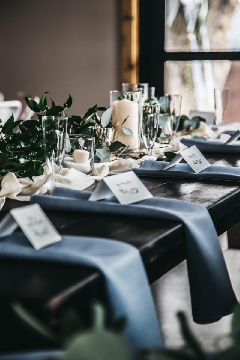 alicia kyle wedding at camelot design & decor.jpg