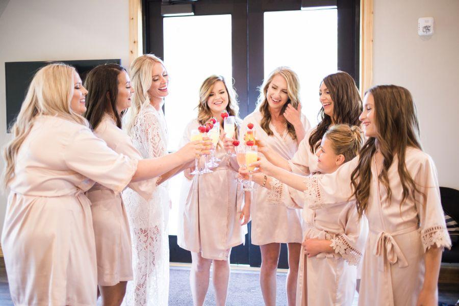 f_n_wedding_gettingready_076.jpg