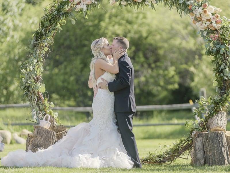 jessica nik montana wildflower gardens wedding decorator.jpg