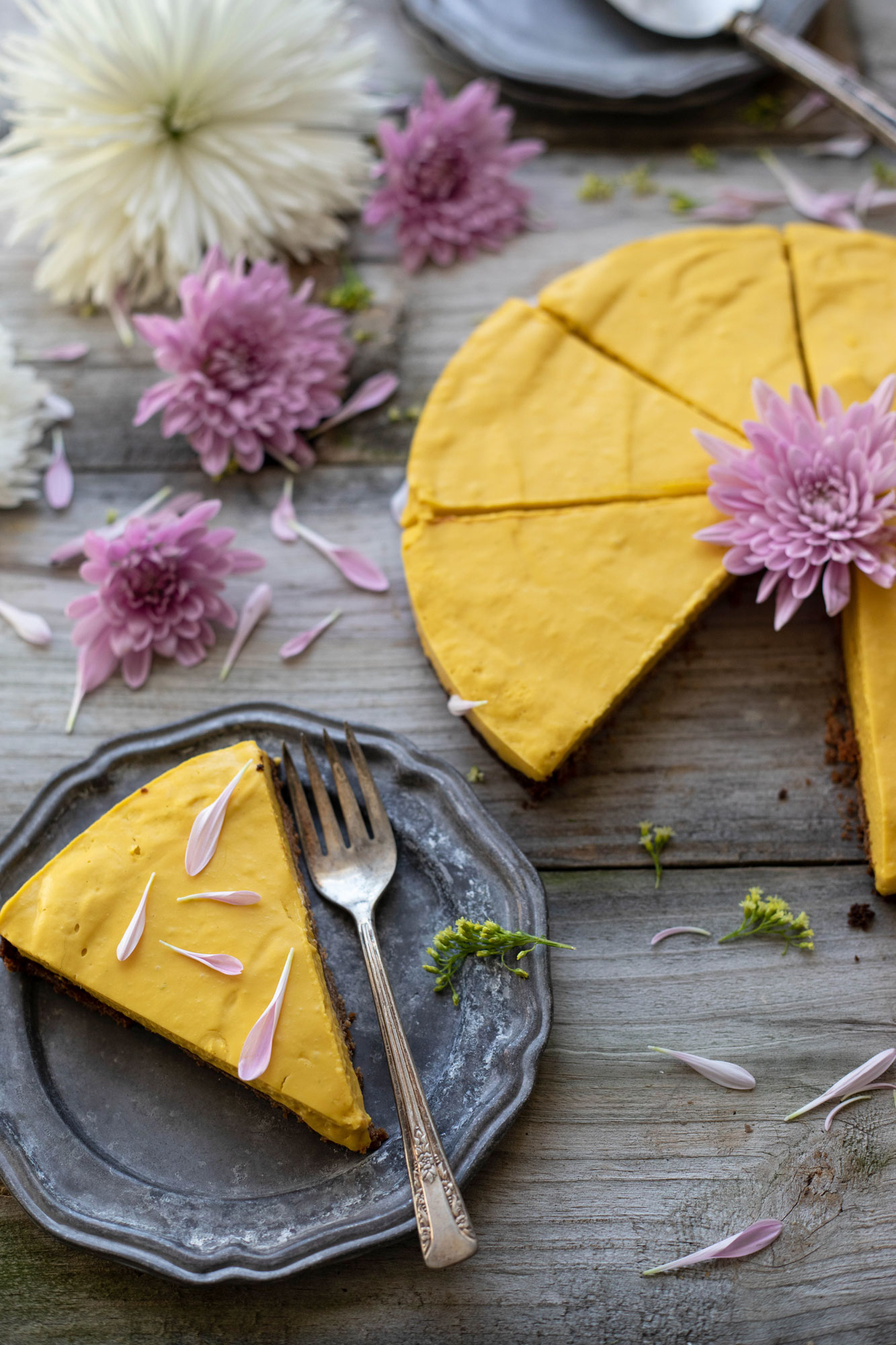vegan and GF mango gingersnap tart